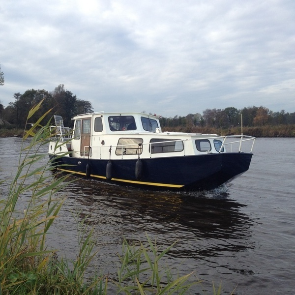 Kajuitmotorboot Vermietung Midwolda