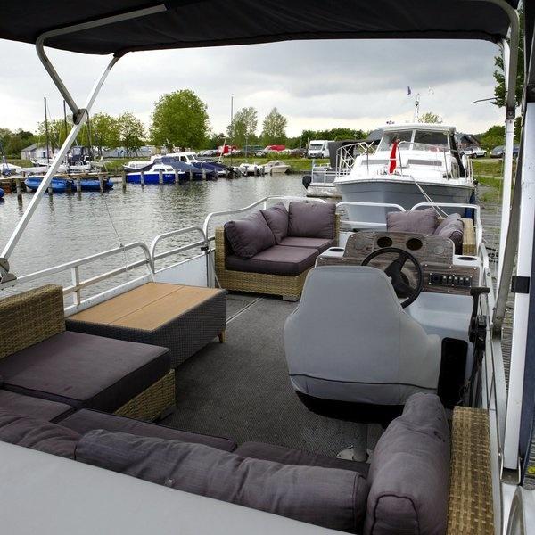 Leuke Loungeboot-/Partyboot Vermietung Zeewolde